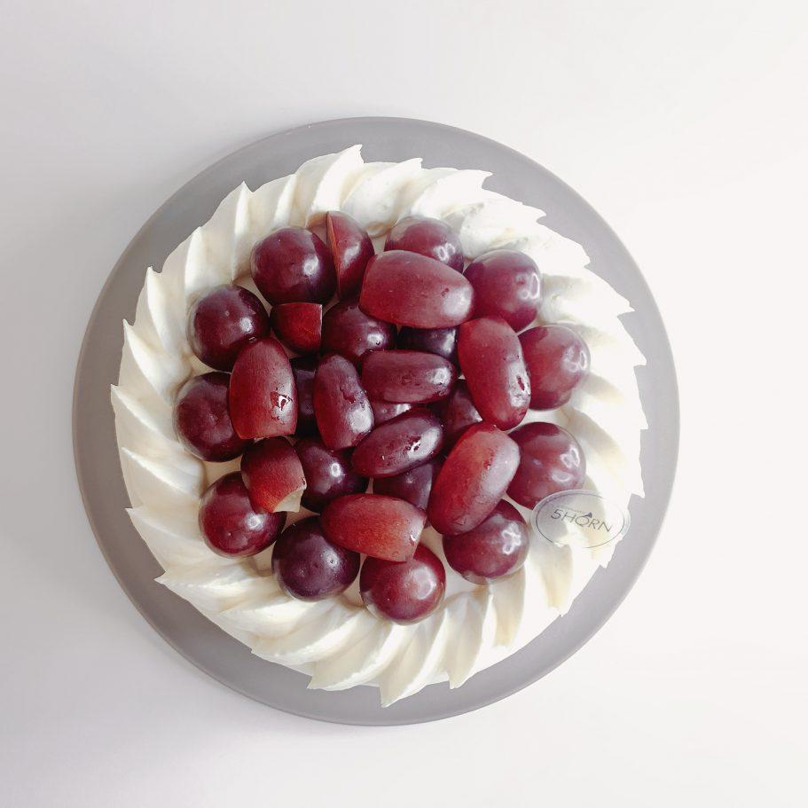 【赤いシャインマスカット】クイーンルージュのショートケーキ